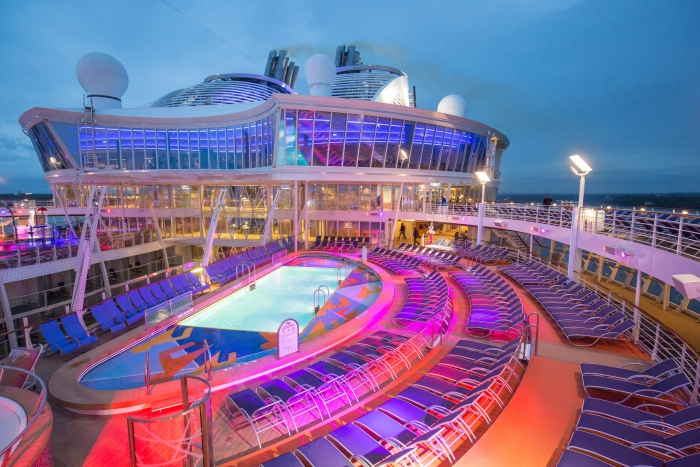 Pool Deck onboard Harmony of the Seas. Credit SBW-Photo