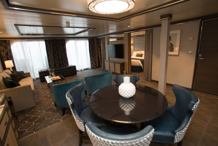 Owner's Suite With BalconyonboardHarmony of the Seas.
