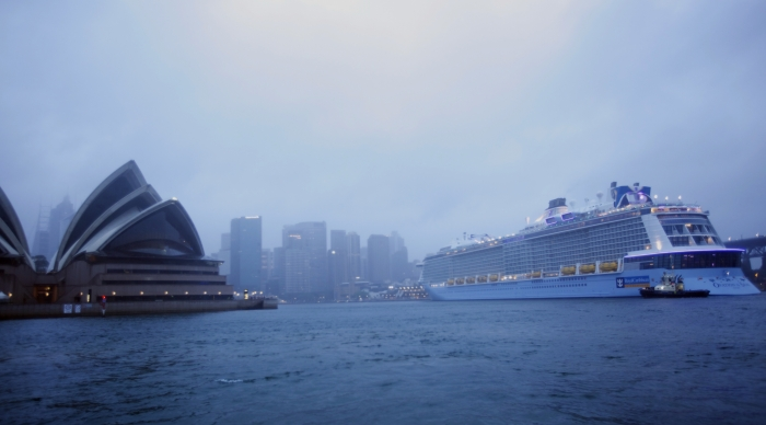 Ovation of the Seasarrives into Sydney, Australia for her first cruise, kicking off the ship's summer season.