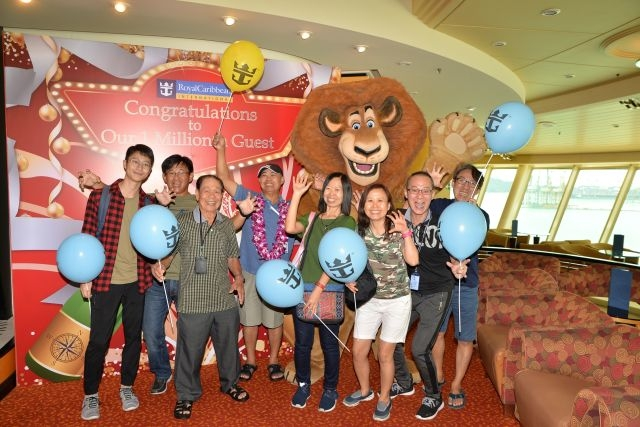 January 22, 2018 – Royal Caribbean International today reached a new milestone by welcoming its millionth guest sailing from Singapore – a momentous way to kick start 2018 which is its 11th year of operation in Asia.