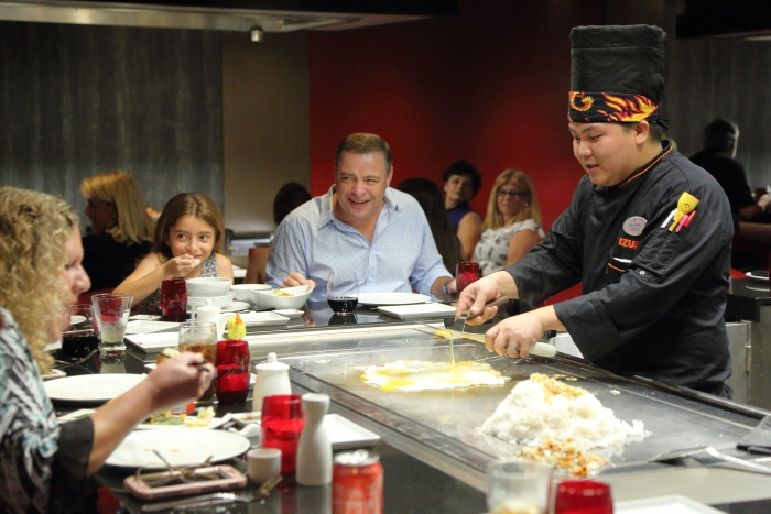 Izumi Hibachi & Sushi onboard the new amped up Mariner of the Seas.