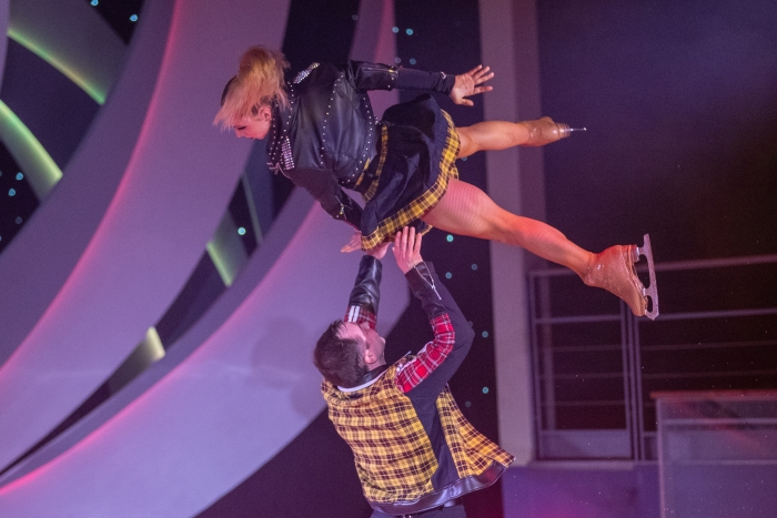 Navigator of the Seas features a spectacular ice show called iSkate in Studio B.