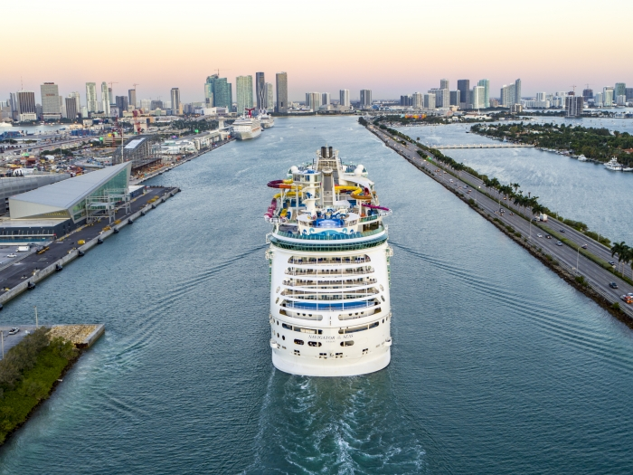 Aerial of Royal Amplified Navigator of the Seas.