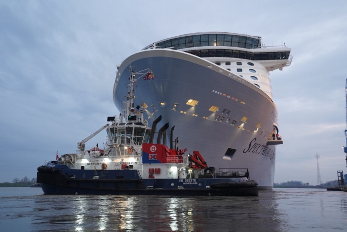 March 2019 – Spectrum of the Seas begins her conveyance up the Ems River.