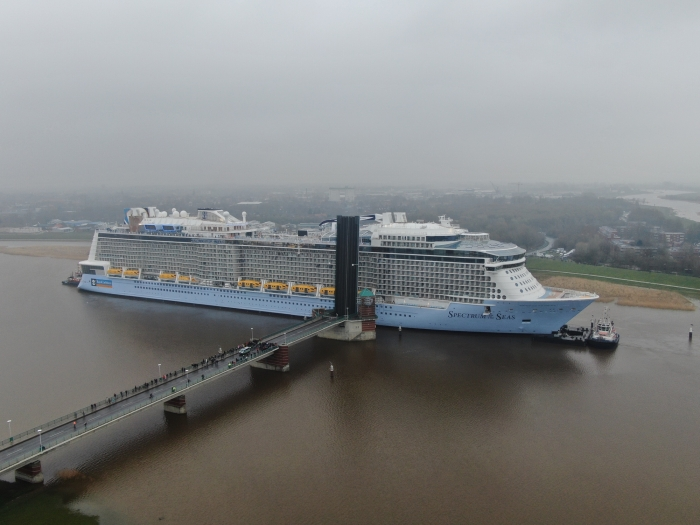 March 2019 – Spectrum of the Seas passes one of four locks it needs to get through as it makes its way down the Ems River.