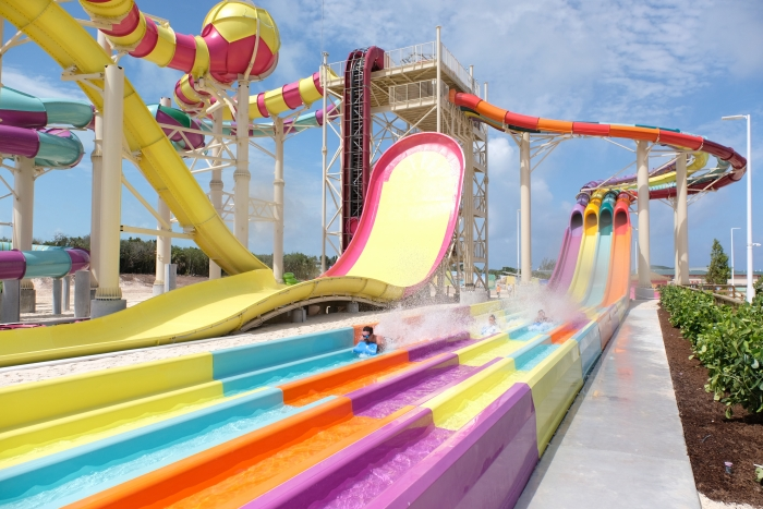 May 2019 – Adventurous families will share the thrill at Splash Summit in Thrill Waterpark with six multi-rider slides, including The Slingshot, a zero-gravity slide for four; The Twister, a winding tube slide for two on a tandem raft; and the four-lane Splash Speedway racing slides.