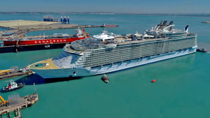 September 2019 – Oasis of the Seas arrives at the Navantia shipyard in Cadiz, Spain to begin her $165 million amplification. On Nov. 24, the ship will tout a lineup of new adventures, including the tallest slide at sea – Ultimate Abyss; The Perfect Storm trio of waterslides, a reimagined, Caribbean pool deck; new kids and teens spaces transformed from top to bottom, and more.