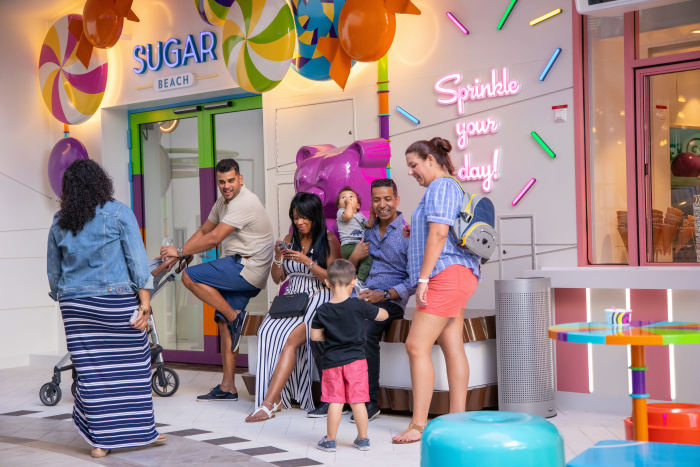 November 2019 – The sweetest spot on board Oasis of the Seas, Sugar Beach makes its way to Boardwalk with a new ice cream window and more than 200 confections to choose from.
