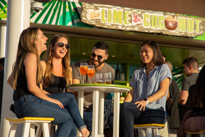 November 2019 – The Lime & Coconut on the amplified Oasis of the Seas turns up the Caribbean vibes poolside with tropical cocktails, great views and live music from day to night.