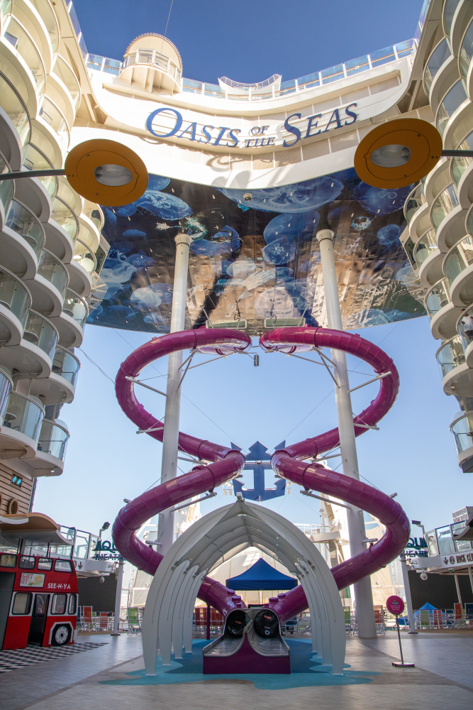 November 2019 – The all-new Oasis of the Seas brings the heart-pumping addition of the Ultimate Abyss, a 10-story test of courage and the tallest slide at sea.