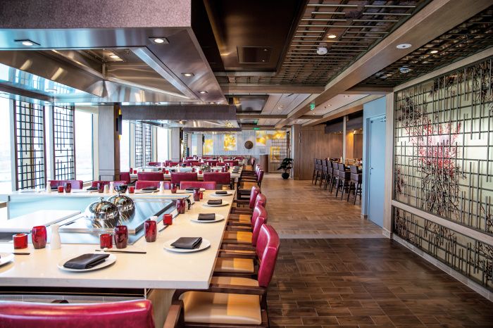 April 2021 – A first look inside Odyssey of the Seas. The new ship boasts a varied lineup of dining options, including Teppanyaki. With a menu of Far East flavors prepared in style, Teppanyaki will make its North American debut when the ship sails from South Florida in November.