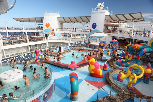 WORLD39S LARGEST AND MOST INNOVATIVE CRUISE SHIP OASIS OF THE SEAS TO SAIL