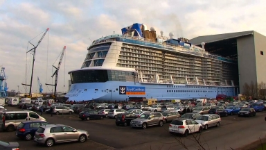 Ovation of the Seas Docking Out Vinfographic