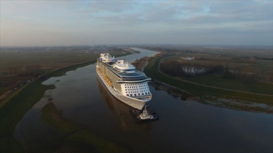 Ovation of the Seas Conveyance B-Roll