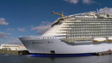 A One-Minute Tour of the World's Largest Cruise Ship