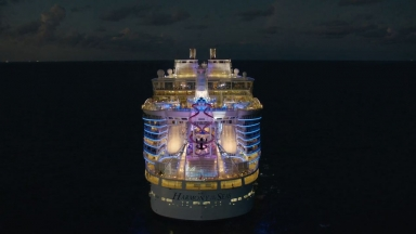 Harmony of the Seas' Ultimate Abyss Vinfographic